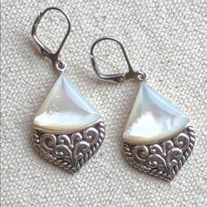 Vintage 925 silver Mother of Pearl earrings.